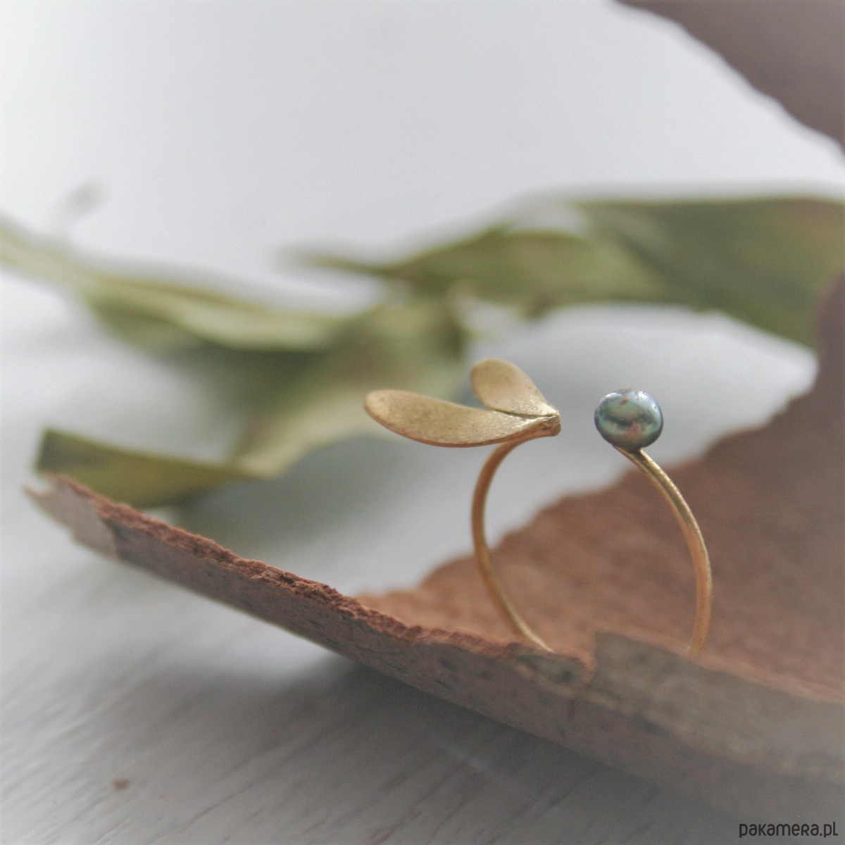 b9d4b476b85b0c Pierścionek z perłą - Biżuteria - pierścionki - różne - Pakamera.pl