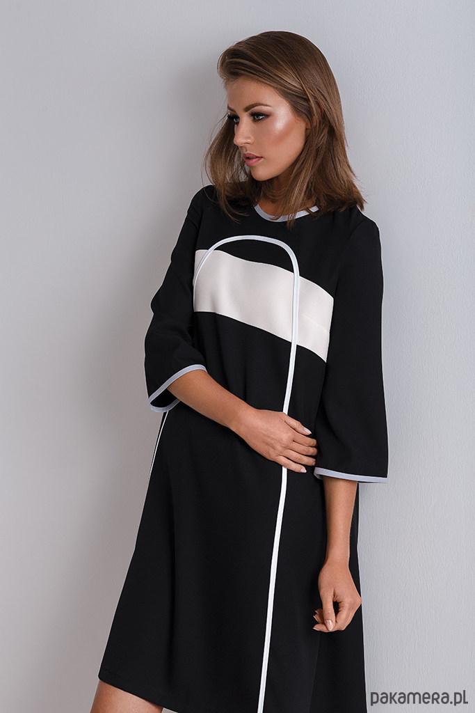 Czarna rozkloszowana sukienka Tunika Nona