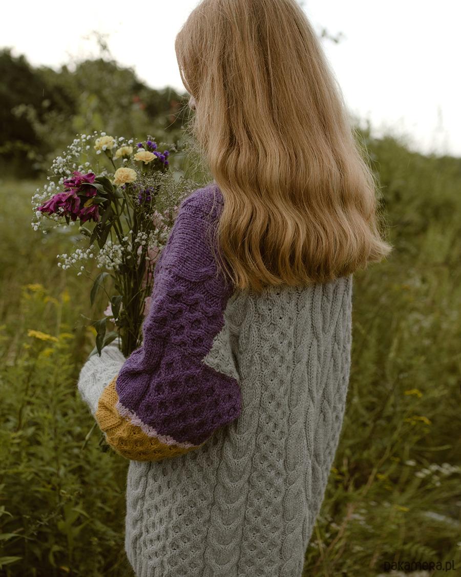 4df40498d3 Kolorowy sweter z golfem - swetry - Pakamera.pl