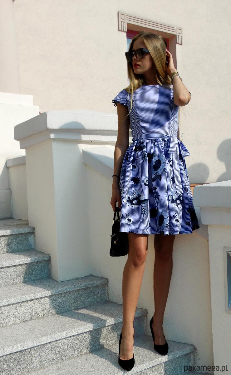 Sukienka w haftowane kwiaty i paski STEFFI