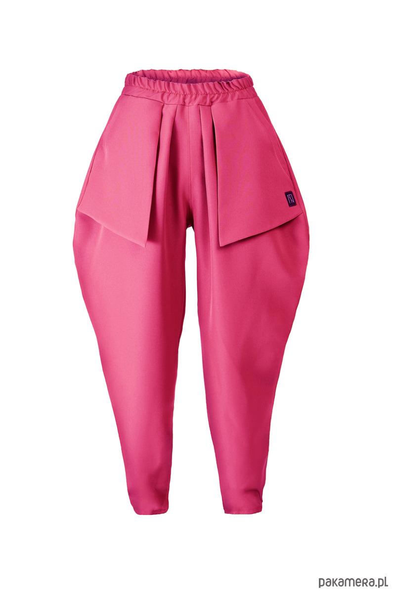 różowe spodnie z kieszeniami