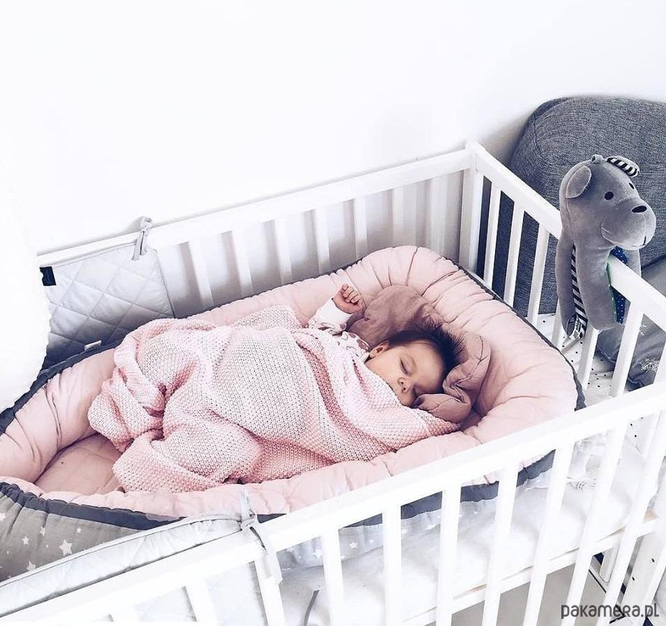 W Mega Kokon dla niemowlaka Pikowany Pudrowy Róż Gwiazd - pokój dziecka LQ53