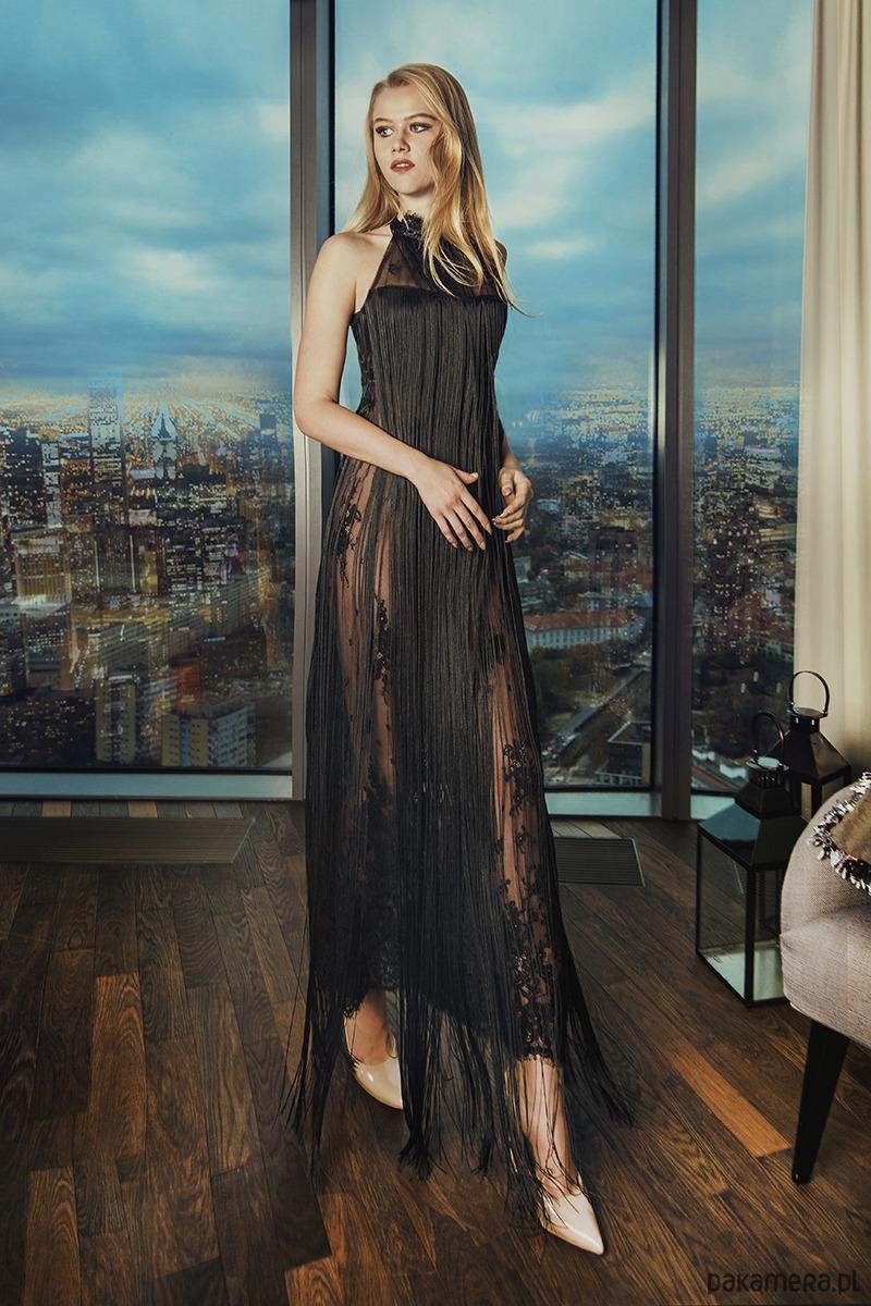 Folle - suknia z koronki z długimi frędzlami