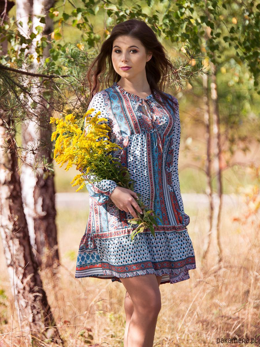 61eccd6904 KATI sukienka z falbanką i wiązaniem - sukienki - mini - Pakamera.pl