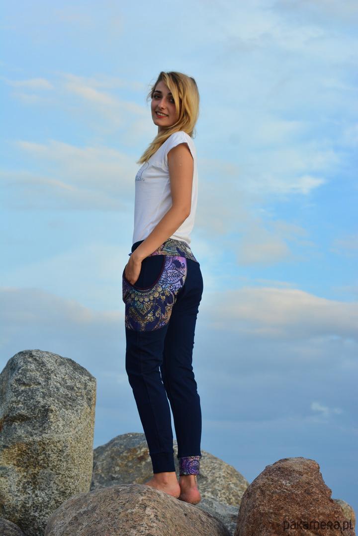 Spodnie Granatowa Koronka damskie - baggy pants