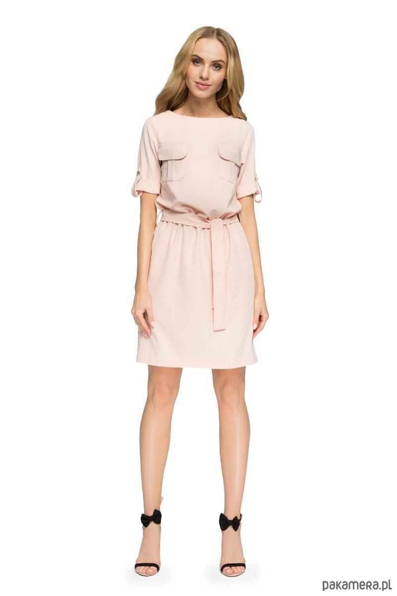 Przewiązana sukienka z kieszeniami - pudrowa