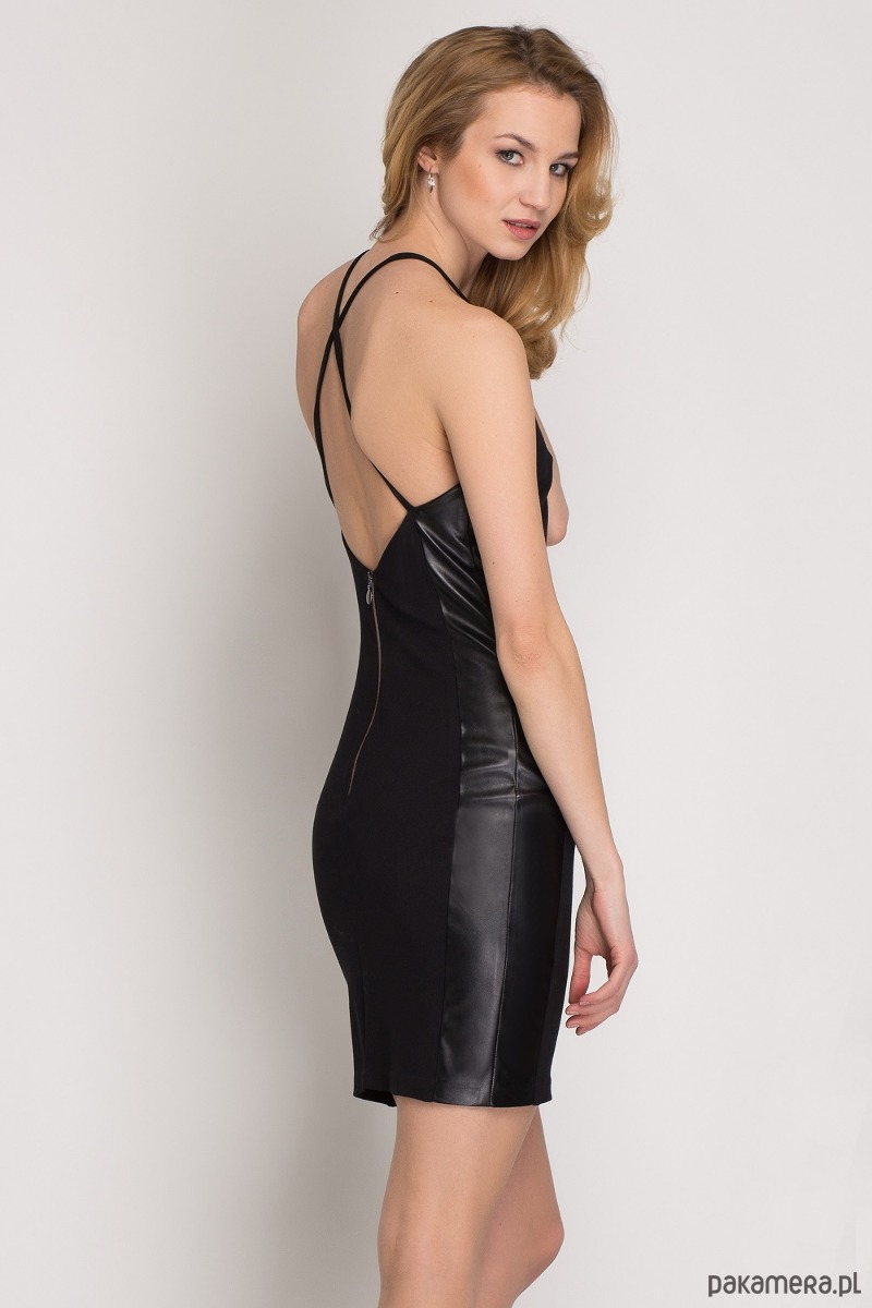 Czarna sukienka z elementami eko-skóry