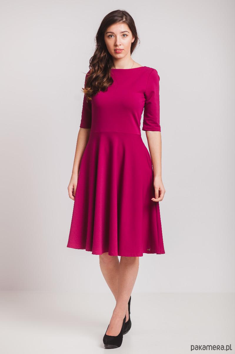 Bordowa sukienka z półkoła