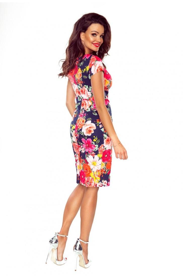 Elegancka sukienka dzienna (kwiaty na granacie)