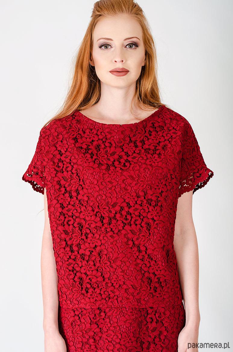 czerwona koronkowa bluzka