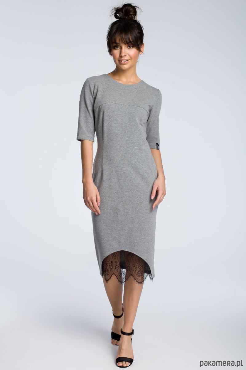 Sukienka z wycięciem i wstawką z koronki