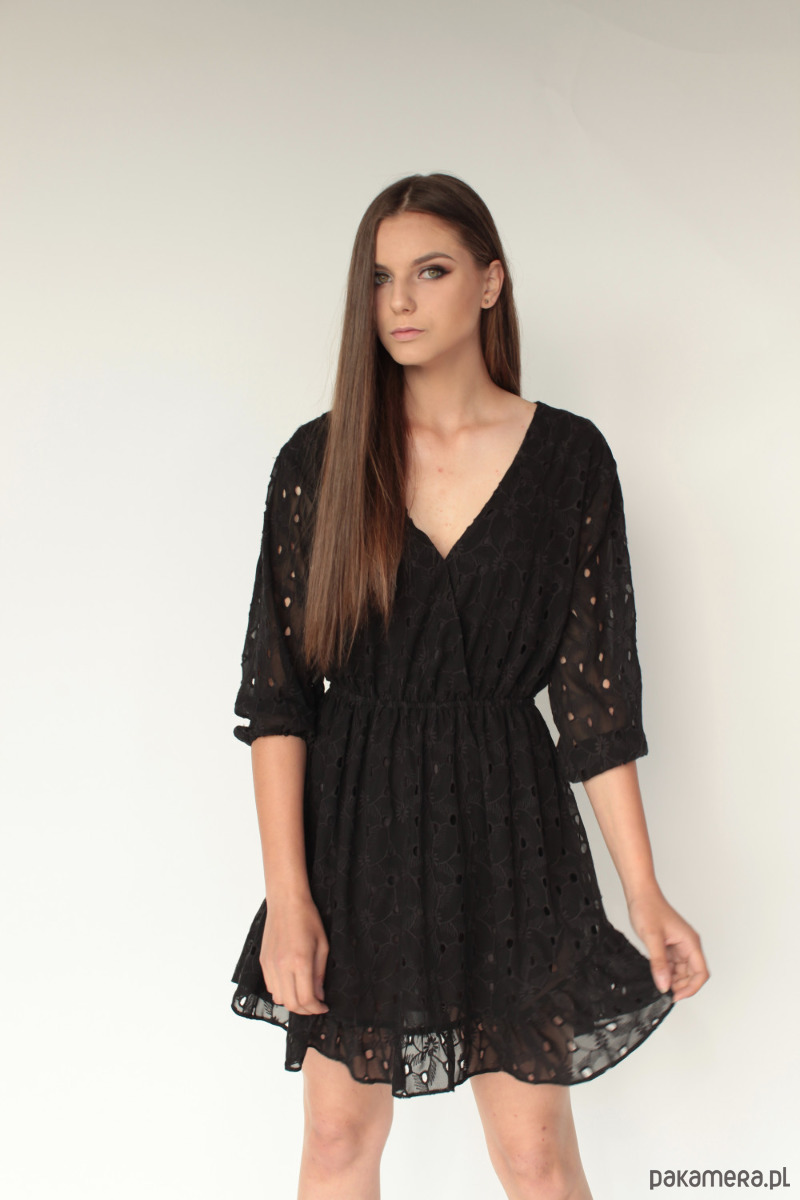 Sukienka bawełniana haftowana Petra czarna