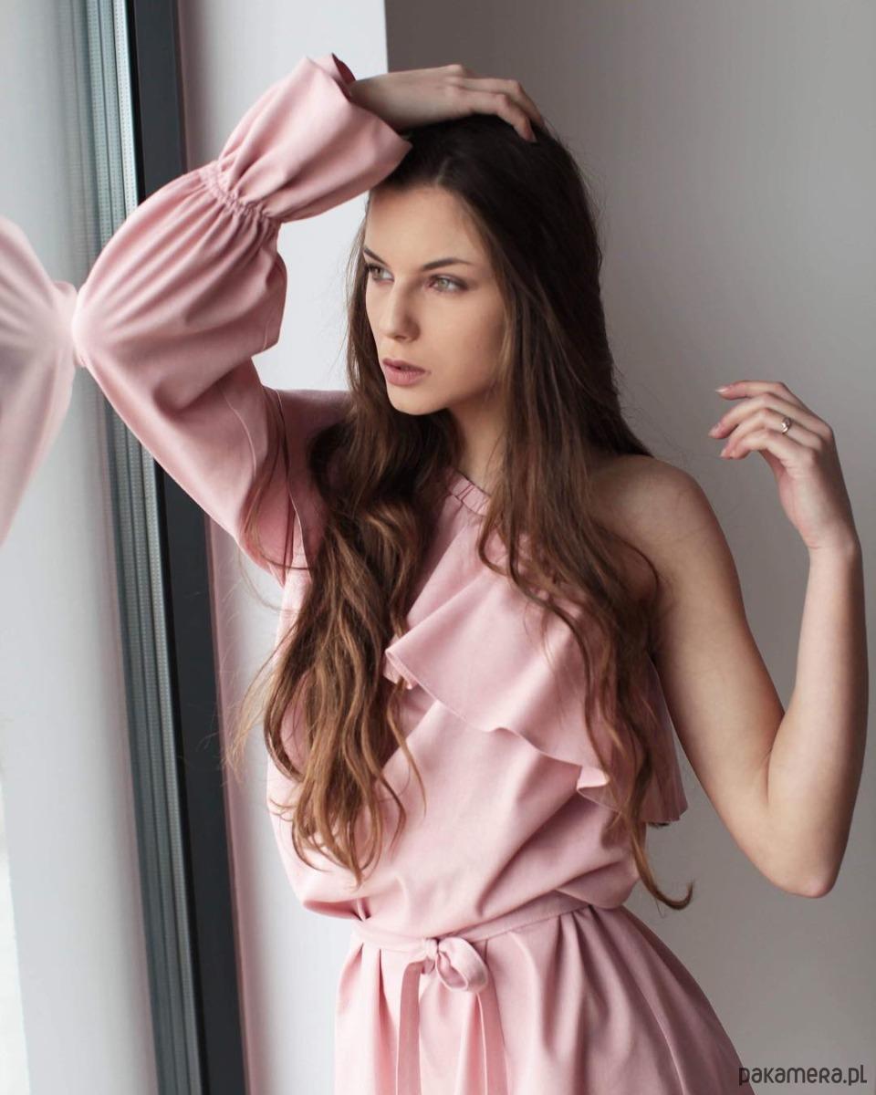 9338cbca41 Sukienka Jasmin asymetryczna na jednen rękaw - sukienki - midi ...