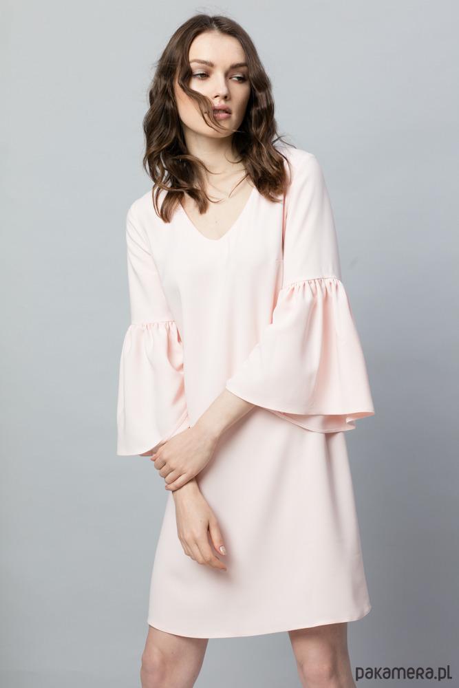 c5107d6edf439e Lekka sukienka z szerokimi rękawami - Moda - sukienki - mini ...