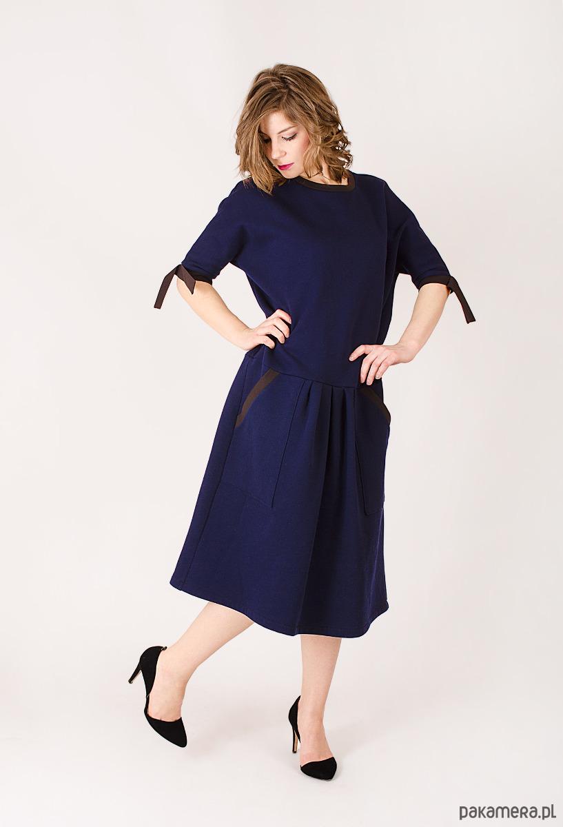 Sukienka z dzianiny dresowej