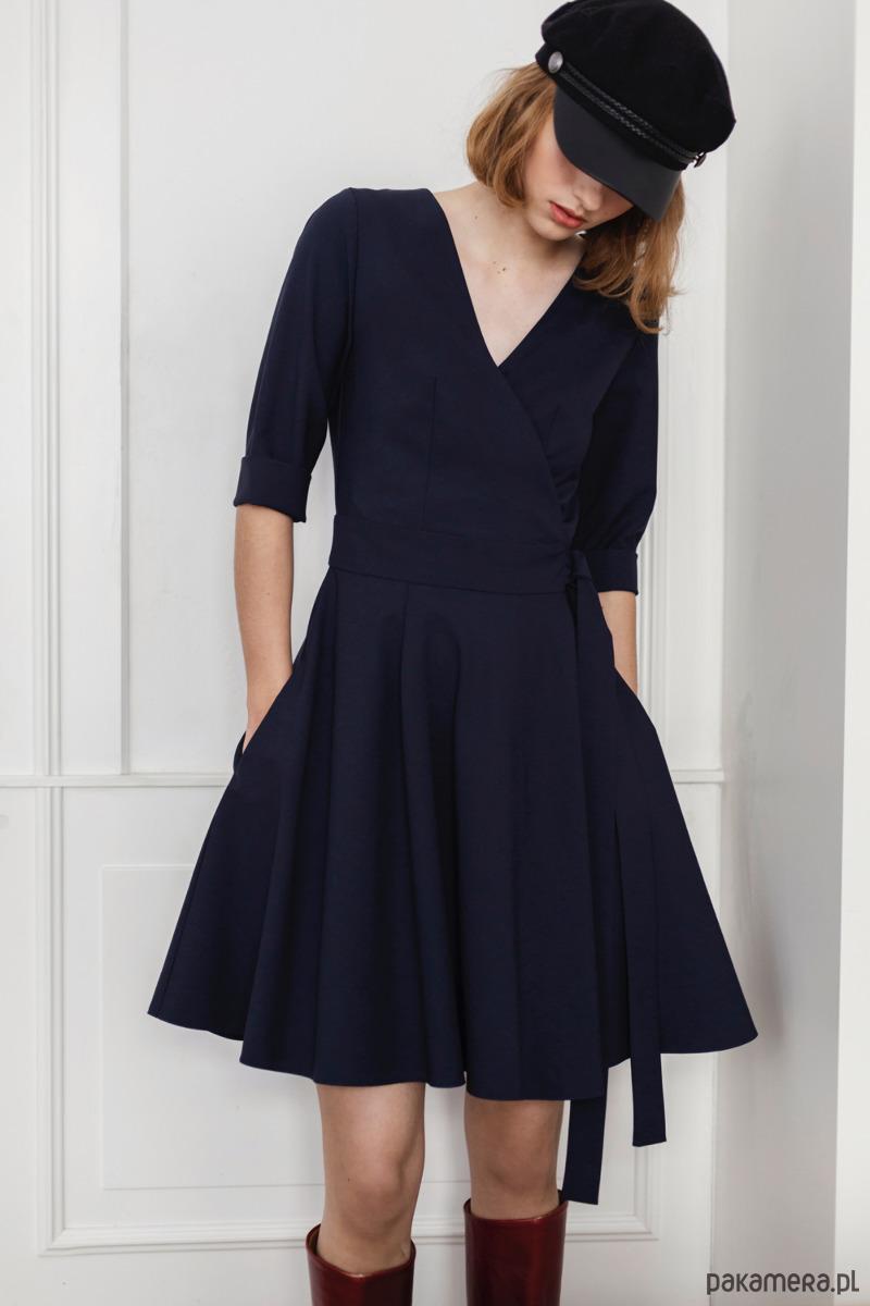 Sukienka kopertowa rozkloszowana 1 - wełna