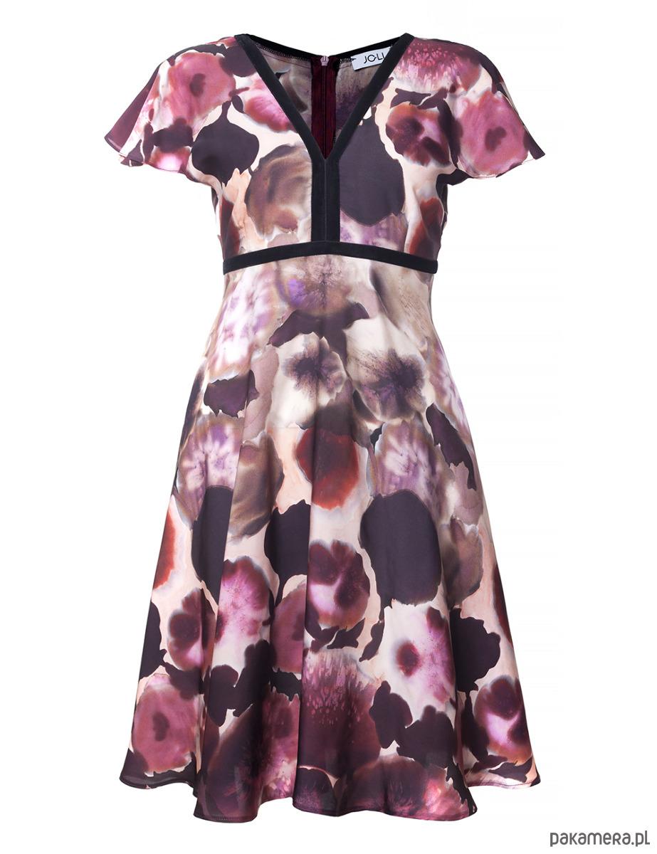 Sukienka odcinana pod biustem