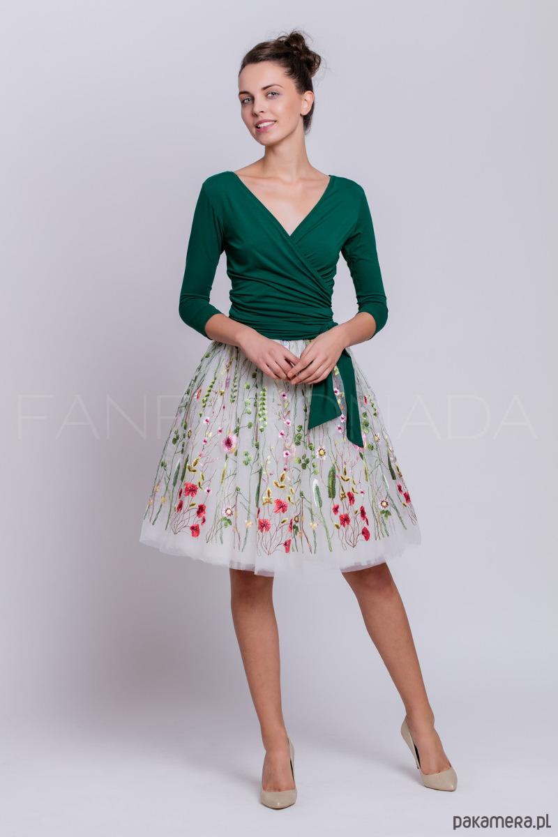 Spódnica tiulowa z kwiatowym haftem. S114 krótka