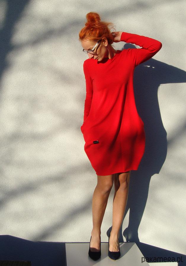 Sukienka Czerwona z zaszewką