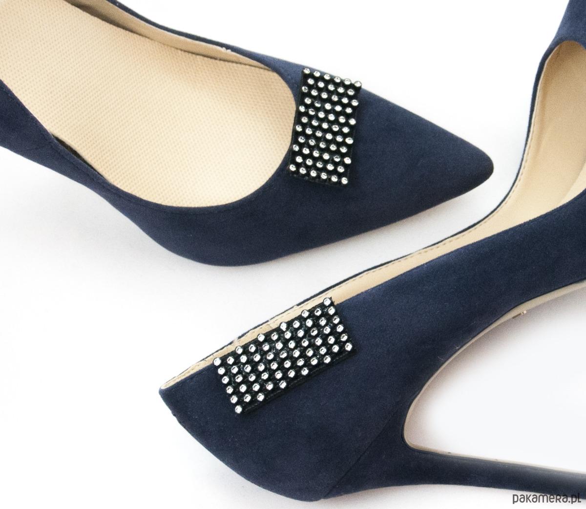 5b9e37107 buty - klipsy do butów-Czarne ozdoby - cyrkonie- Klipsy do butów Mififi ...