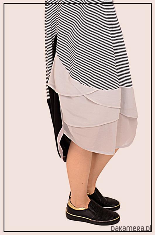sukienka z warstwowym przodem