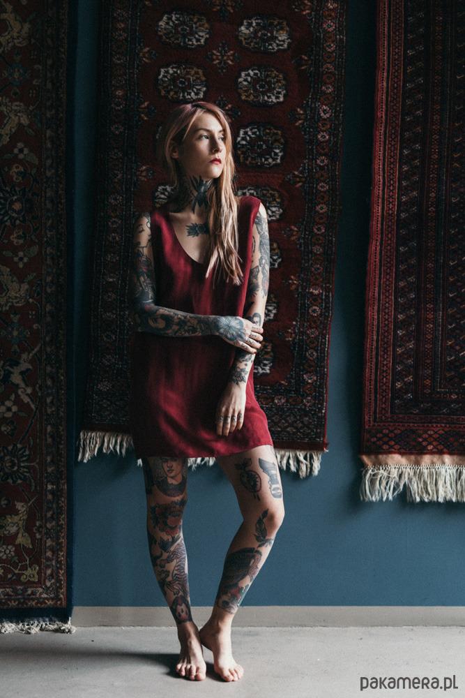 Sukienka z odkrytymi plecami Vale