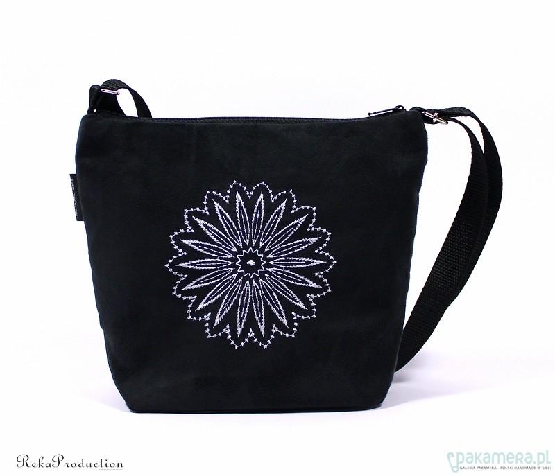 ea0fa8b99f0ee negrina wyszywana torebka listonoszka - torebki mini - Pakamera.pl
