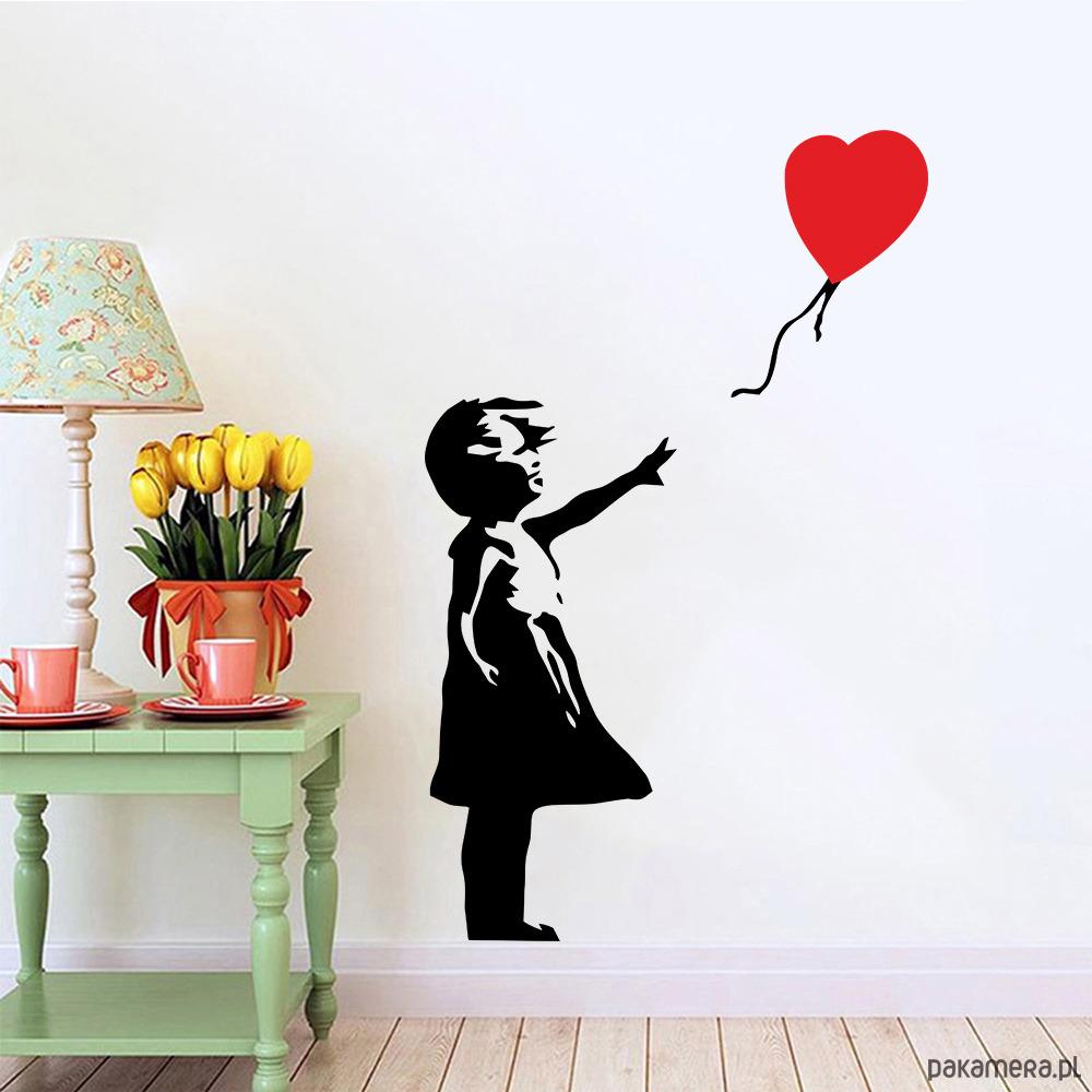 Naklejka Dziewczynka Z Balonikiem Serduszkiem Pakamerapl