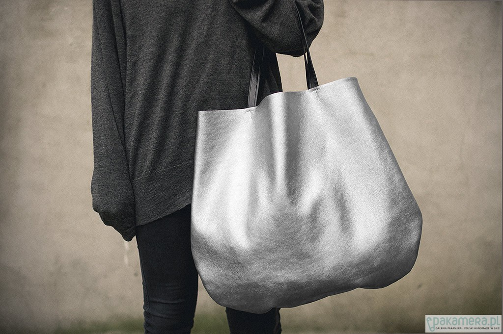 0d3b29ec5b92c Duża hobo oversized srebrna - torby na ramię - damskie - Pakamera.pl