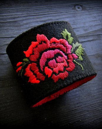 haft ręczny, dark red rose