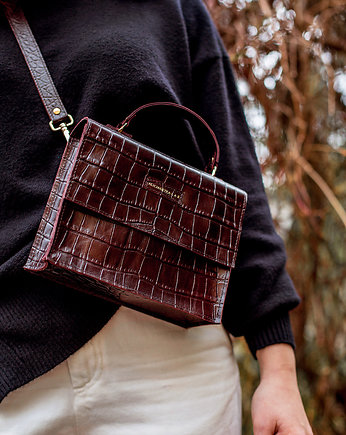 Alicja Getka LAB, Kuferek Trunkette Croco Dark Cherry