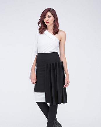 pudu, black assym peated skirt