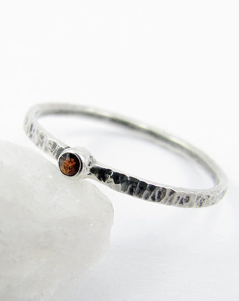Amade Studio, Hammered garnet dot