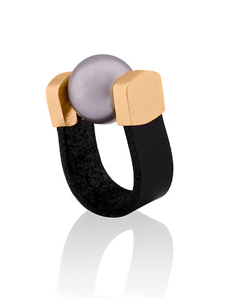 Joccos Design, Pierścionek Grey Pearl Ring in Gold