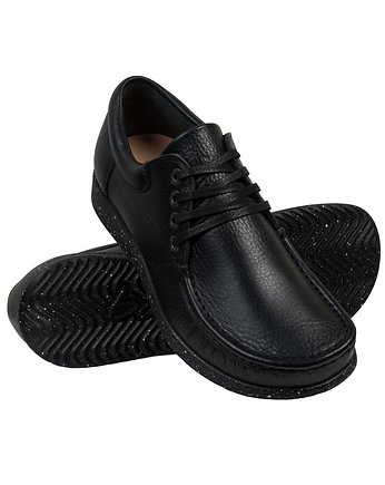 Full-Grain Black Moccasin