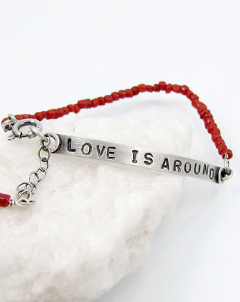 Amade Studio, Love is around and coral