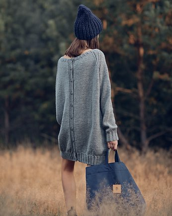 Roboty Reczne, Oversized Buttoned Long Sweater
