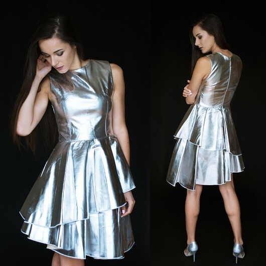 Srebrna rozkloszowana sukienka