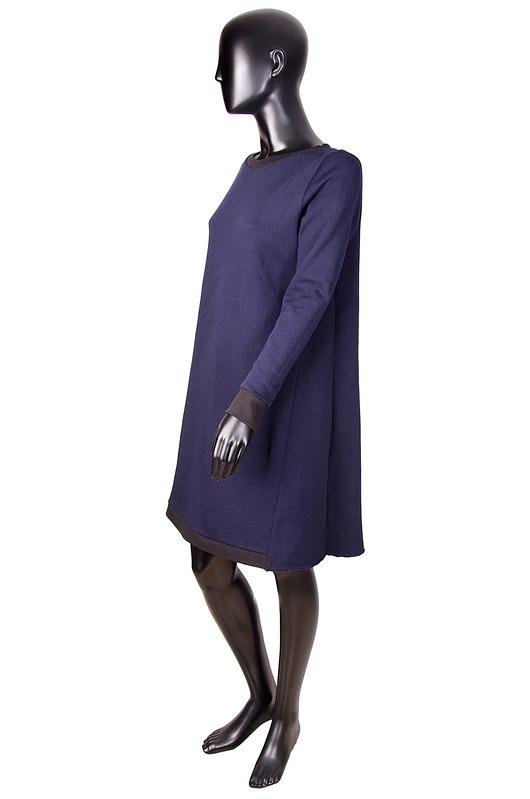 Granatowa dresowa sukienka ze wstawkami