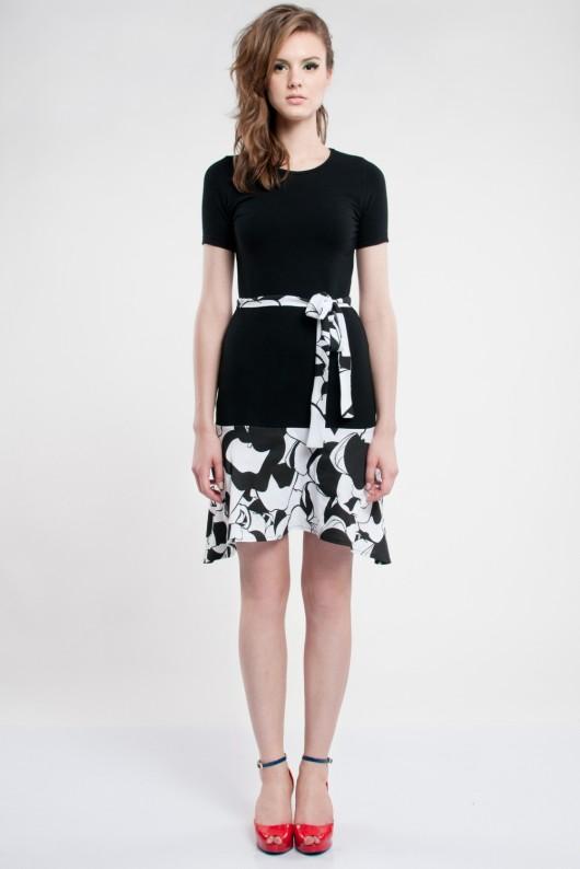 Zdjęcie nr 33 w galerii – Czarno-białe sukienki dla minimalistek Czarno-białe sukienki dla minimalistek – 80 propozycji. Czarno-białe sukienki dla minimalistek – 80 propozycji Kto powiedział że suknia ślubna musi być jedynie śnieżnobiała lub ewentualnie ecru? Teraz czarne i białe suknie ślubne są .