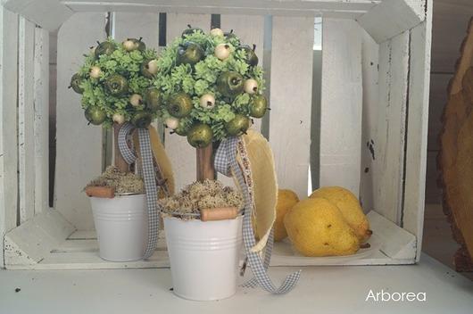Drzewko dekoracyjne z jabłuszkami - 1916235