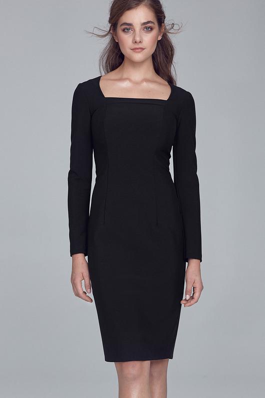 Czarna sukienka z dekoltem karo s125
