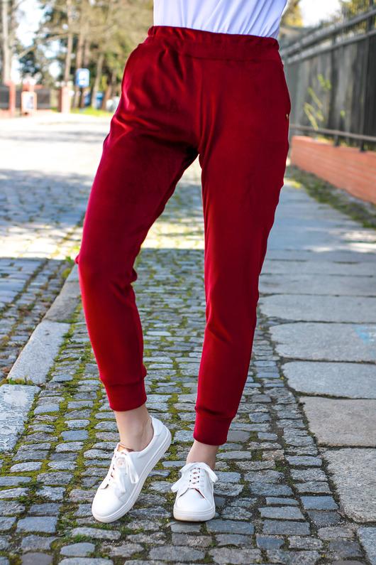 Spodnie dresowe damskie welurowe bordowe