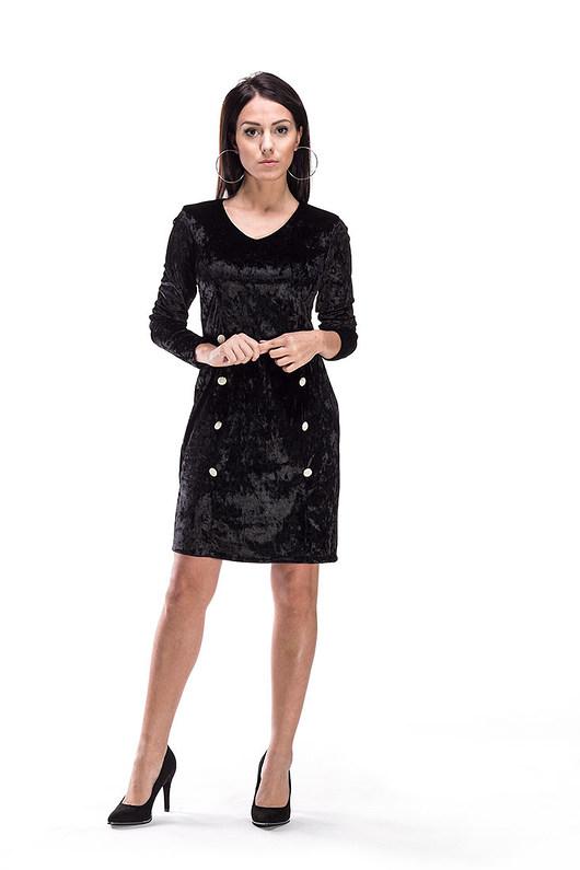 Welurowa sukienka z guzikami czarna