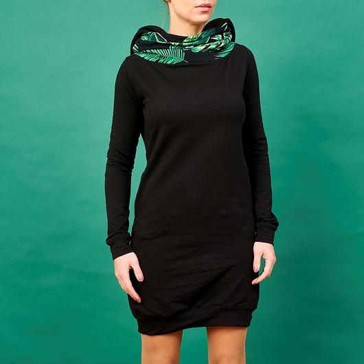 4d105d02d7 Kupić.pl - Pakamera - Czarna sukienka z kominem i kapturem motyw tropi
