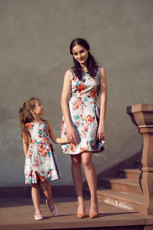 sukienka w botaniczny print Hanna
