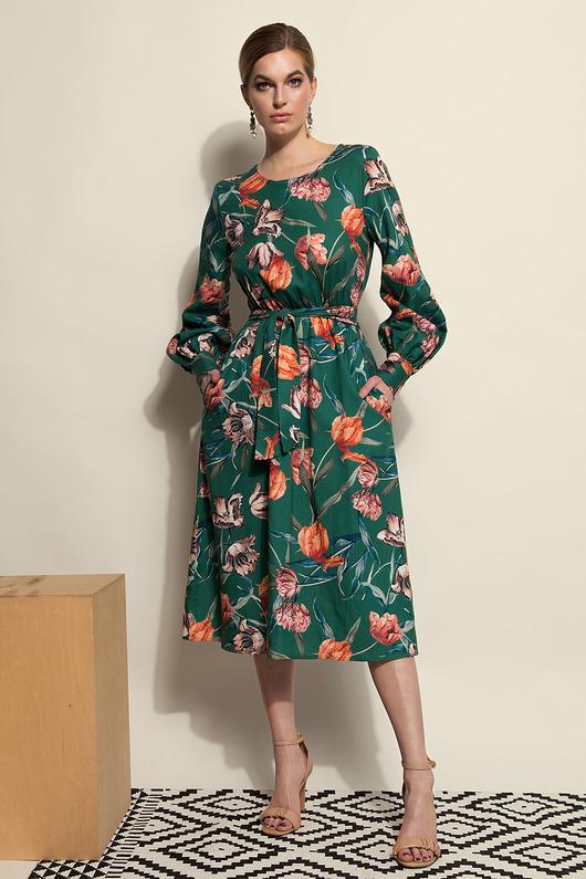 Turkusowa sukienka w kwiaty