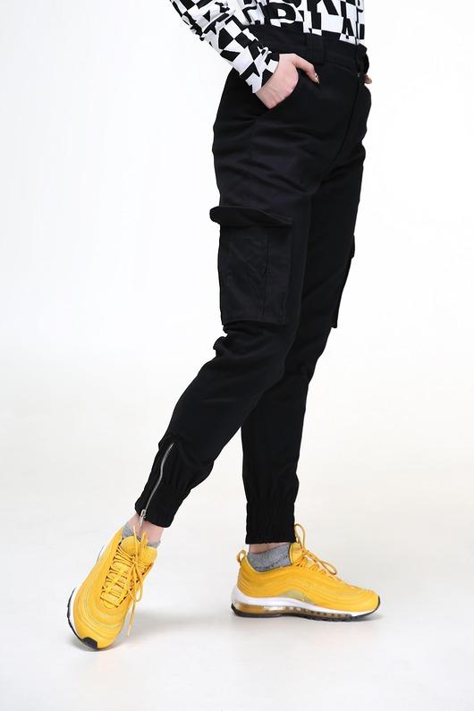 e5f7ad75fdd340 Czarne damskie bojówki - Moda - spodnie - inne - Pakamera.pl